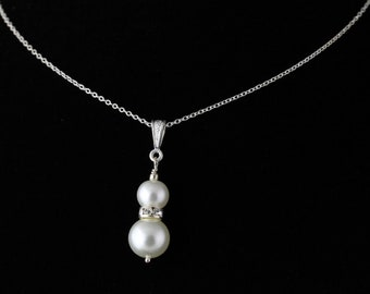 Glass Pearl Pendant. Listing 109313947
