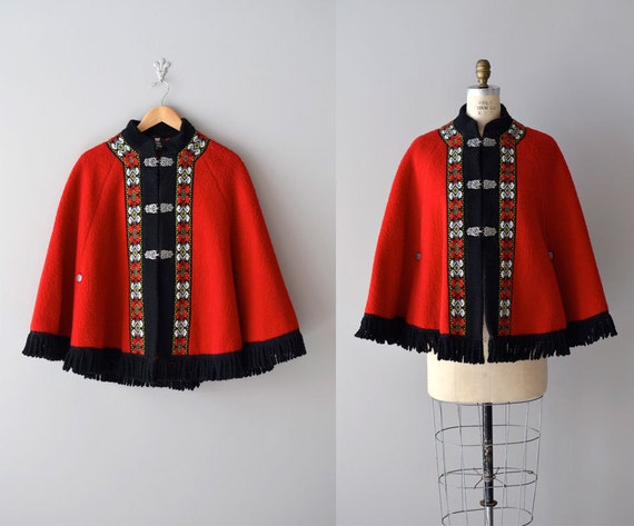 1960s cape / folk wool cape coat / Festival at Night cape