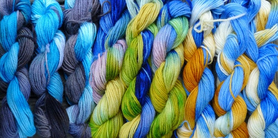 900 yards worsted weight yarn, hand dyed mixed colors, 9 skeins, one pound --  blues