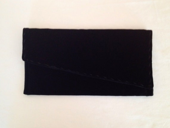 CLEARANCE SALE- Vintage Velvet Black Clutch. Small Purse. Evening. Formal. Satin. Small Handbag. 1980s.