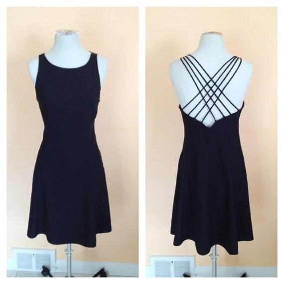 Vintage Little Black Dress. Classic. Criss-Cross Sexy Open Back. Date Night. Cocktail Dress. Short Dress. Scoop Neck. Size 5/6. 1980s.