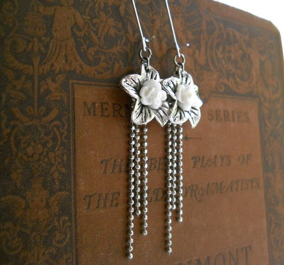 Victorian Style Bridal Jewelry, White Earrings, Floral, Antiqued Silver, Rose, Sparkle Chain, Vintage Fashion, Wedding