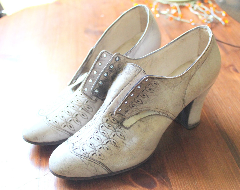 Antique Edwardian Victorian White Eyelet Shoes Leather Old