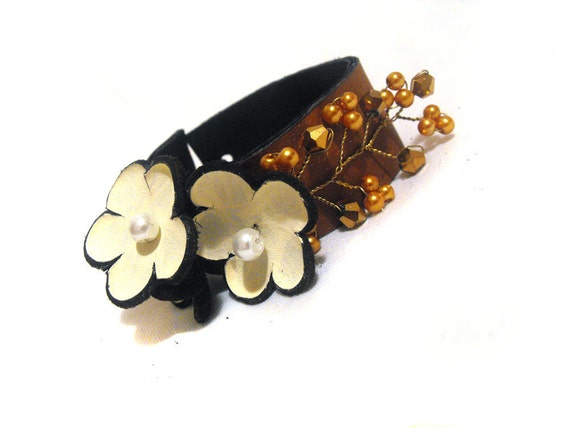 Rustic women leather bracelet with flowers Fashion bracelet Jewelry bracelet Leather bangle cuff bracelet