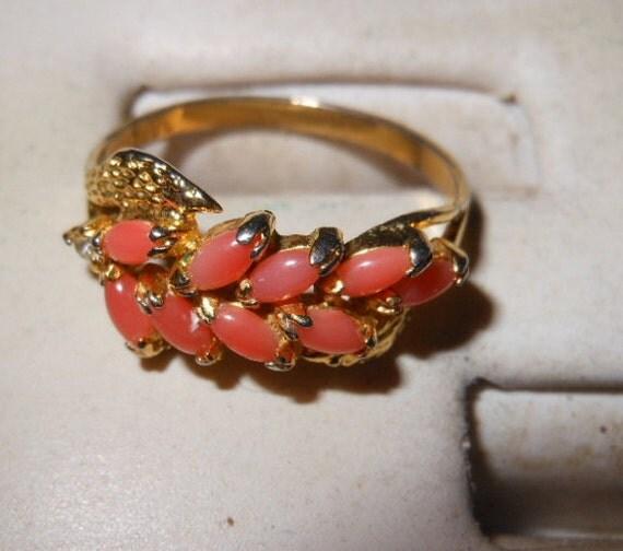 Vintage 10K HGE Ladies Ring in Coral Color