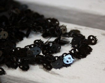 The cute black skull charm chain
