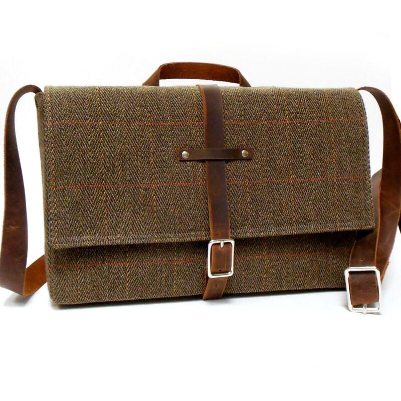 11 macbook air messenger bag brown herringbone