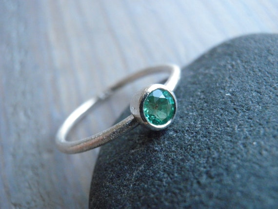May birthstone Emerald Engagement Ring, Classic Green May Birthstone Ring, Sterling Silver Ring, Statement Ring, Bridal Jewelry