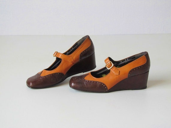 Mary Jane Shoes / 1970s Shoes /  Wedge Shoes / Size 6