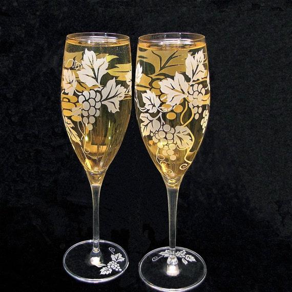 Custom Wedding Wine Glasses : Wedding Champagne Glasses, Grapevine Wedding Decor, Personalized ...