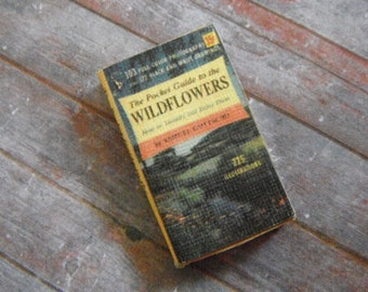 Miniature Book --- Guide to Wildflowers