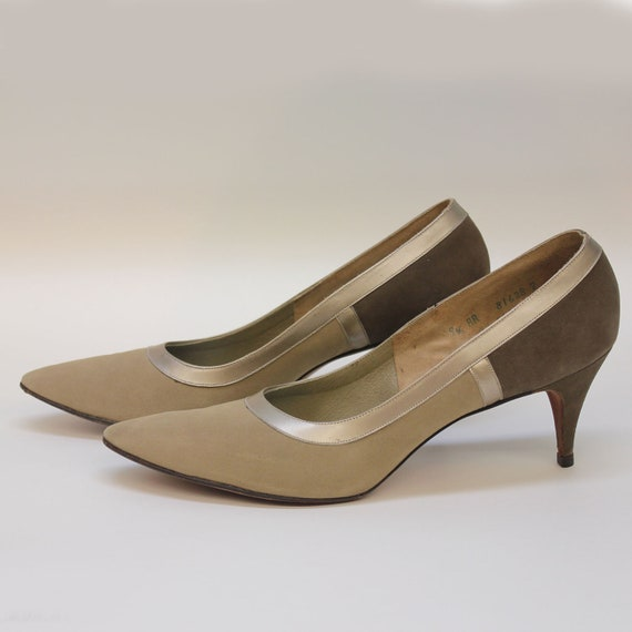 50's / 60's Suede Pumps / Pointy Toe / Tan and Taupe / DeLiso Debs / Size 9 1/2