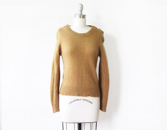 1970s camel sweater / vintage 70s wool sweater