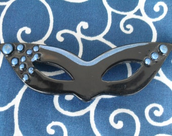 Vintage Masquerade Mask Pin Theatre Party Costume Jewelry Brooch
