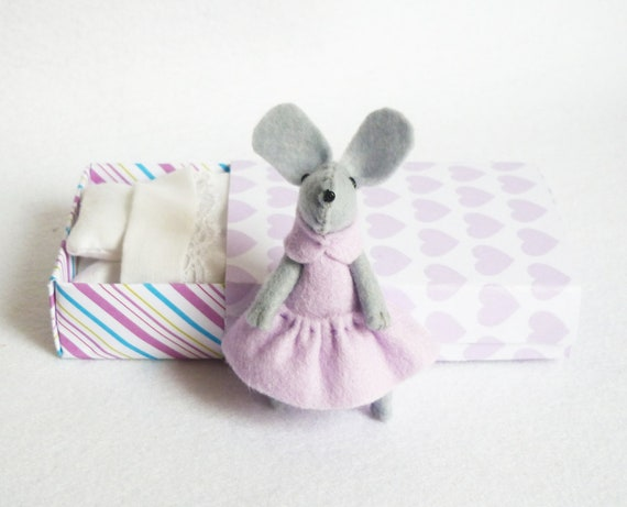 Lilac felt mouse in matchbox bed
