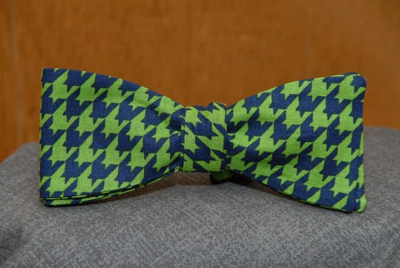 Green/Navy Houndstooth Pattern  Bow Tie