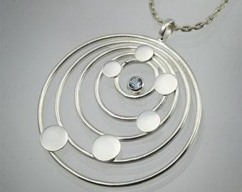5 Circle Surge Necklace (Aquamarine)
