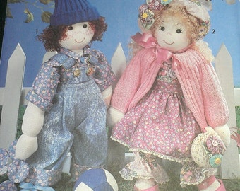 Sock Dolls with YoYo Quilt Simplicity 7476