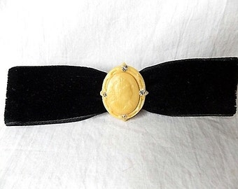 Vintage Ivorine Plastic Cameo Pin & Black Velvet Bow C Clasp