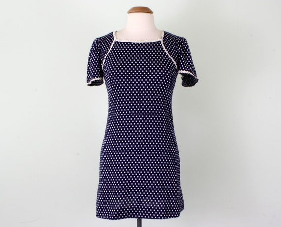 70s dress / navy polka dot knit cap sleeve mini (xs - s)
