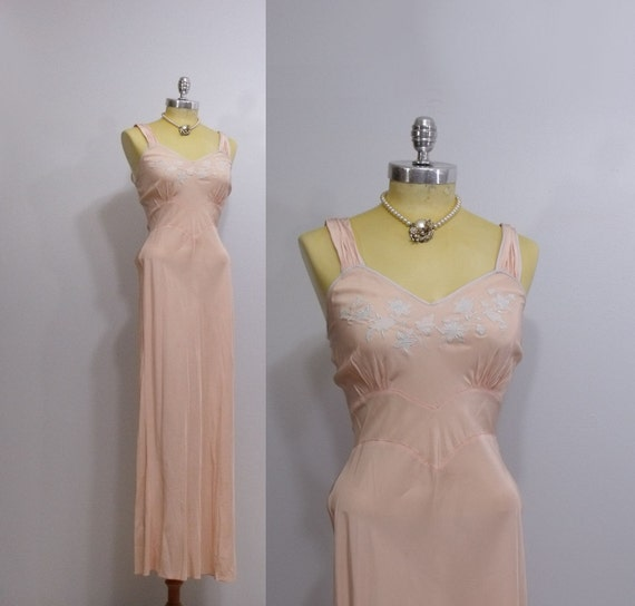 1930s/ 40s Peach Rayon Satin Gown/ Nightgown / Bust 36