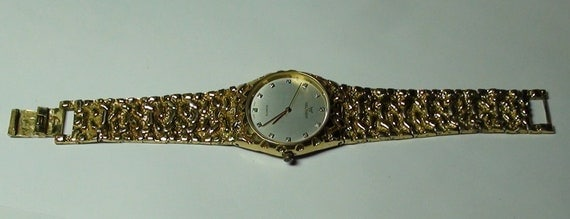 Waltham Watch 1980's Vintage Gold Plated Working and New Battery with Diamond chips Unisex