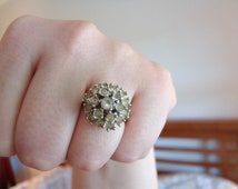 Vintage 18 KT HGE white gold cocktail ring with clear crystal/ rhinestones- size 6.5 to 6.75