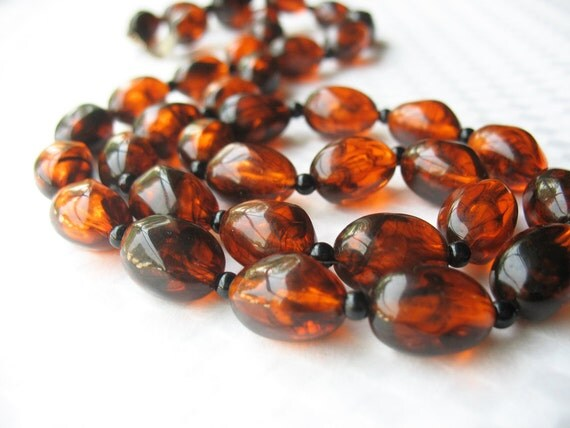 Vintage Faux Amber Rootbeer Beaded Necklace Lucite Oblong Beads