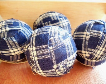 Homespun Rag Ball Ornaments Set of 4 OFG Team