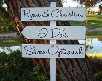 WeDDinG SiGn - ShoEs OpTioNaL Sign - BeaCH WeDDinG SiGn - MoDeRn LeTTeRiNg - DiReCTioNaL WeDDiNg SiGnS - 4ft Stake - Distressed WHITE