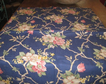 Fabric, Vintage cotton floral 1940's  small, but nice
