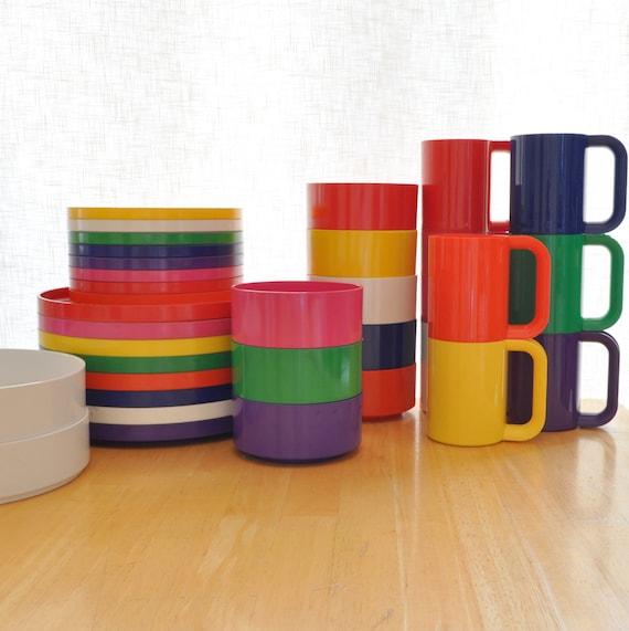 heller plastic dinnerware set of 34 pieces