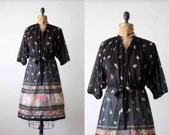 floral print dress - vintage 1970's floral print day dress