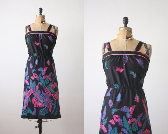 1970s feather print sundress