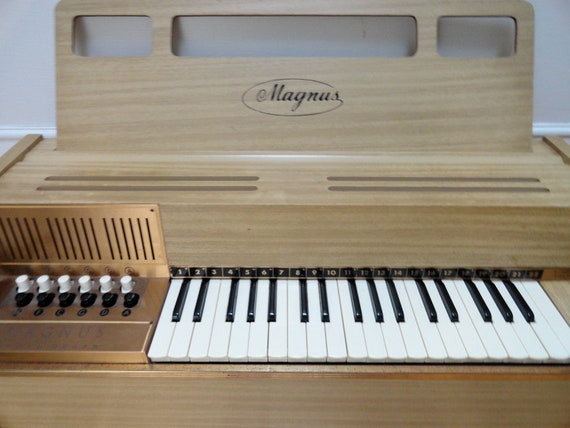 Vintage 1970 S Magnus Chord Organ Model 500 Magnus Organ