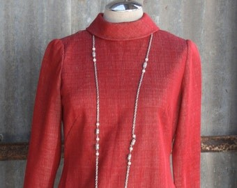 1970s Casual Day Dress in Red - Versatile Dress - Easy Wear - Vintage Red Dress - Work Dress - School Dress - Classic - Simple - 36 Bust