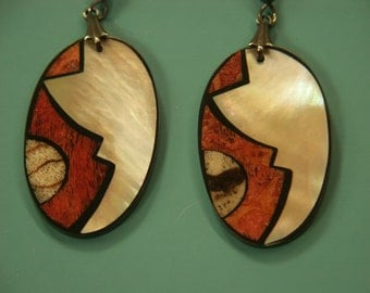 Rare beautiful collectible vintage 1970s unused oval earhangings designed by worldknown Hawaiian designer/artist Lee Sands