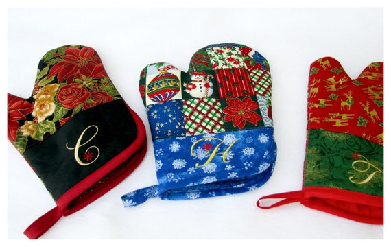 christmas oven mitt hot pad quilted by bonjeancreations on etsy