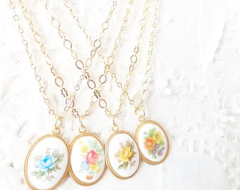 Bridesmaid Necklace Set - Vintage Flower Cameo - Whimsy - Bridal - Bridesmaid Necklace - Vintage Limoges
