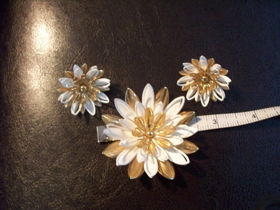 Vintage Gold White Enamel Pin Brooch SARAH COVENTRY Waterlily Lily with Matching Earrings