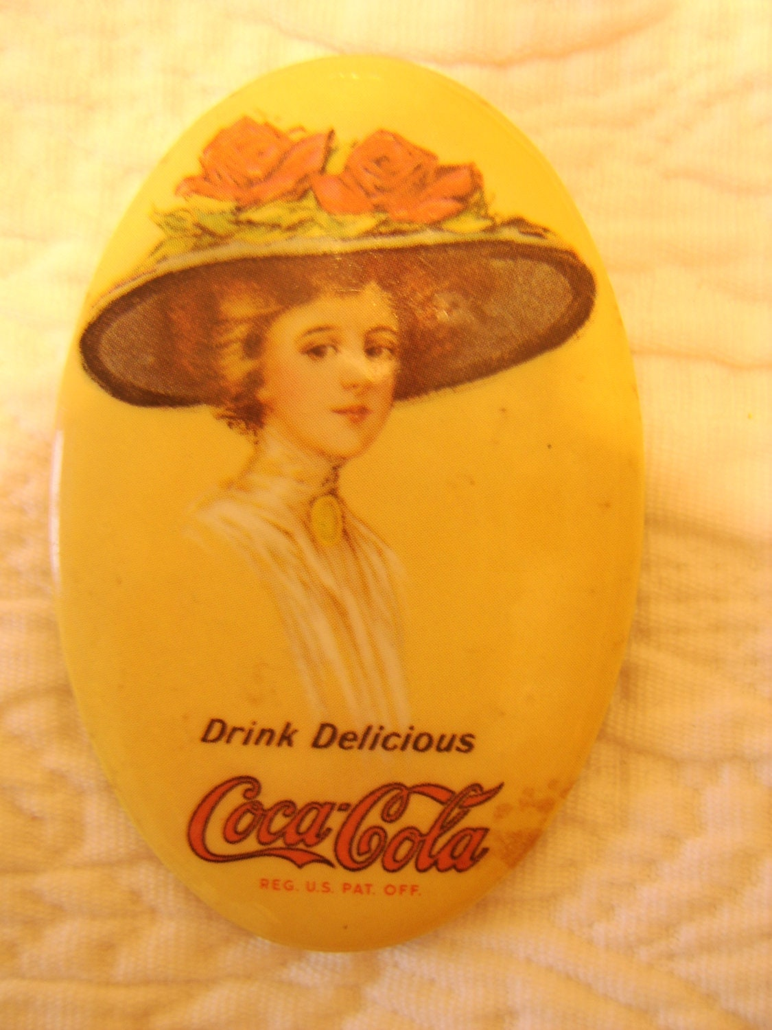 Coca Cola Memorabilia 1973 Collector Pocket Mirror
