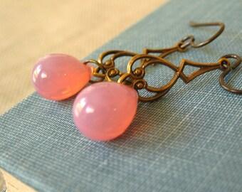Rose Water - Pink glass brass earrings - Elysia