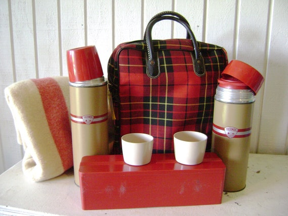 HOLD for Jesse, Vintage Red Plaid Picnic Set by Thermos, 11 Pc Set 2 Insulated Drink Holders Sandwich Holder Tartan Plaid Bag, Scottish Fest