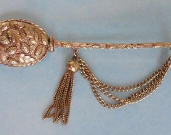Large Gold tone Vintage Brooch