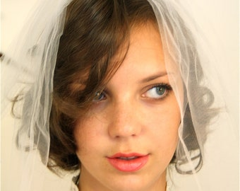 Vintage 60s Wedding Veil MAD MEN Bridal White Tulle Double Netting Short Shoulder Length Comb Puffy Bubble 1960s Veil