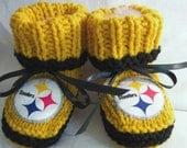 Custom handmade knit NFL PITTSBURGH STEELERS baby booties 0-12M-cute gift photos