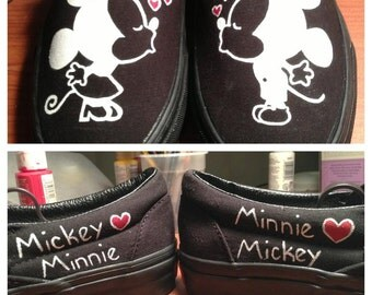 Mickey Loves Minnie Vans