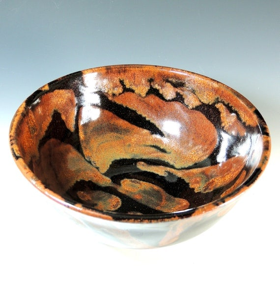 Bowl in Copper Lava Glaze / Wheel Thrown Pottery Stoneware Clay / Serving Bowl / Salad Bowl