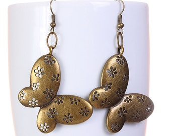 Antique brass butterfly dangle drop earrings (575) - Flat rate shipping