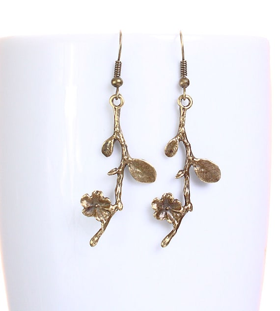 Sale Clearance 20% OFF - Petite antique brass blossom drop dangle earrings (632)